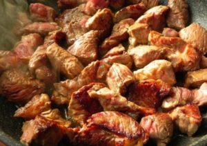 Обзор лучших рецептов приготовления поджарки из свинины