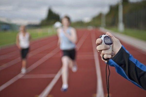 Как ускорить бег: факторы, техника, советы начинающим бегунам