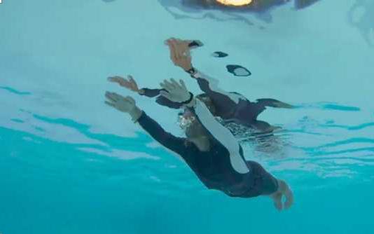 Уроки плавания: правильное дыхание, техника движения ног и рук различных стилей