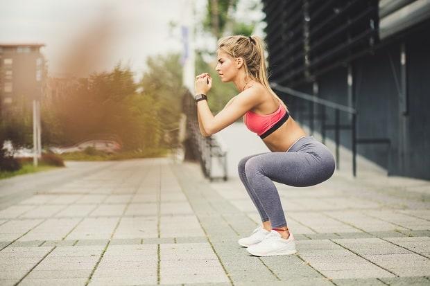 Упражнения в зале для ягодиц