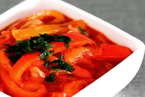 Как приготовить экономное лечо с морковью без масла и уксуса
