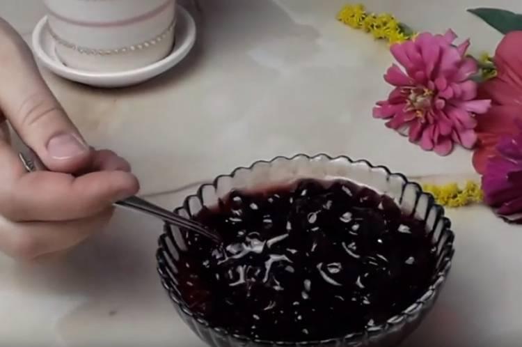 Варенье Пятиминутка черная смородина