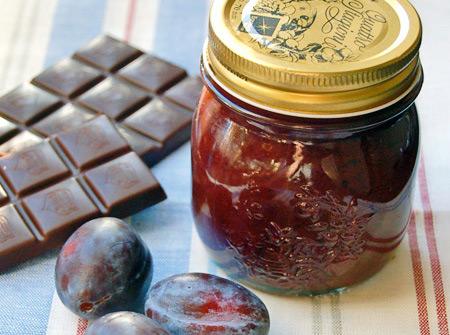 Варенье слива в шоколаде со сливочным маслом или какао