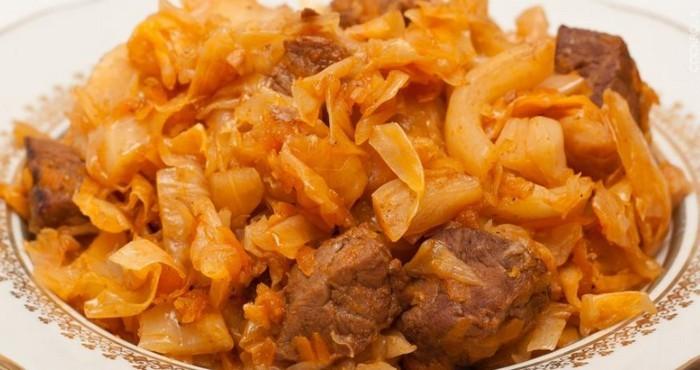 Как приготовить тушеную квашеную капусту по различным рецептам