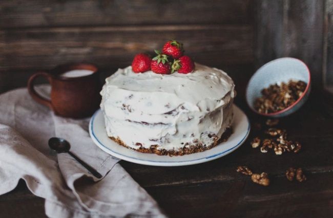 Простой крем для торта или пирожных в домашних условиях