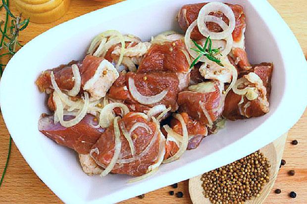 Как правильно замариновать шашлык из свинины в уксусе