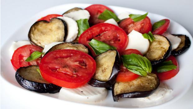 Классический рецепт салата капрезе и его вариации