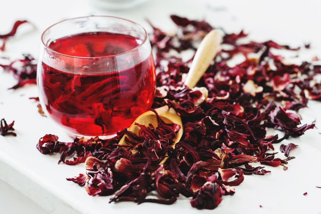 Как пить чай каркаде - холодный и горячий