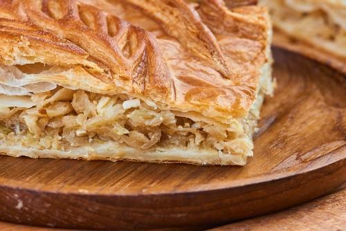 Как испечь пирог с капустой: пошаговые рецепты