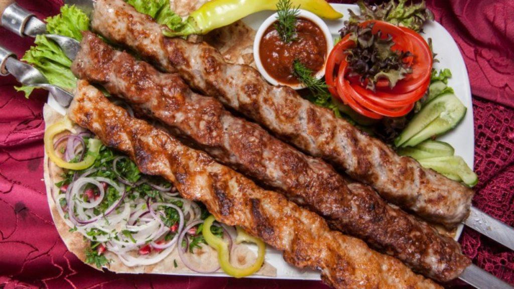 Как приготовить шашлык из фаршла - люля-кебаб на шампурах