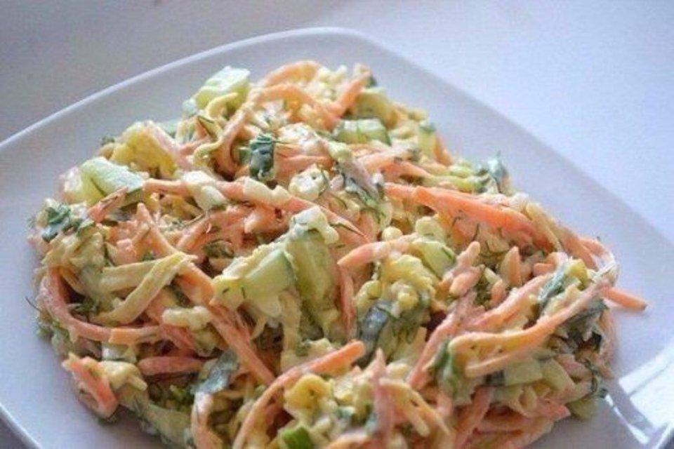 Как приготовить салат итальянский с блинами и копченой курицей