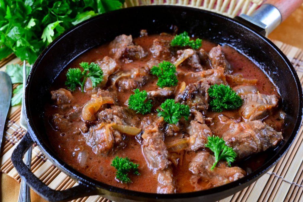 Рецепты гуляша с подливкой из говядины или свинины