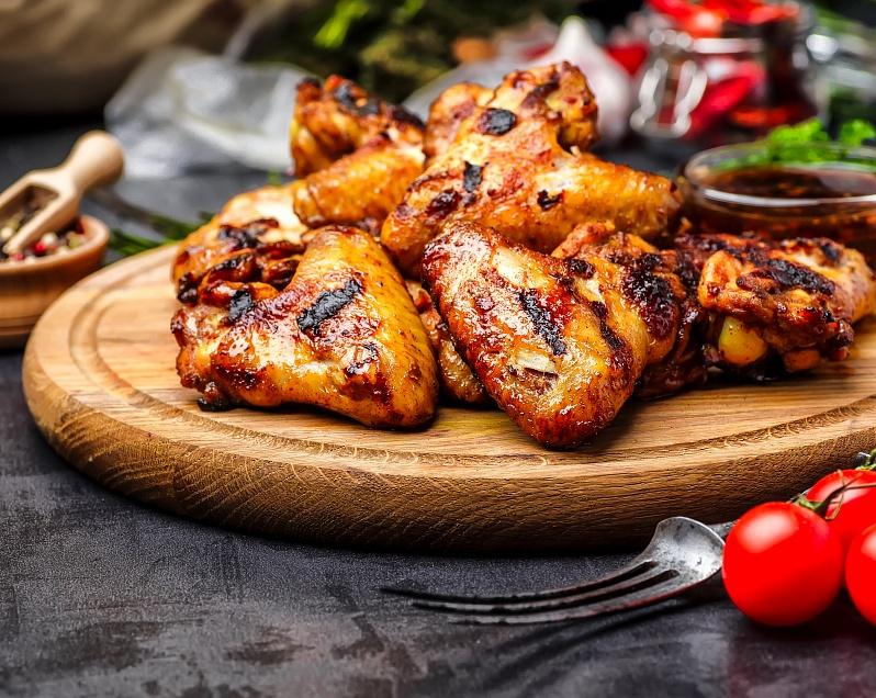 Как замариновать крылышки для шашлыка: рецепты маринадов