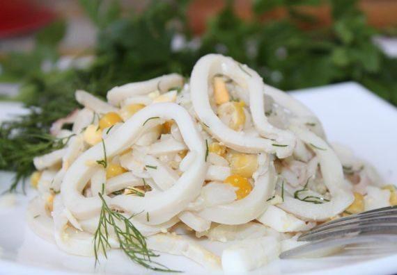 Рецепты постных салатов с кальмарами: особенности притовления