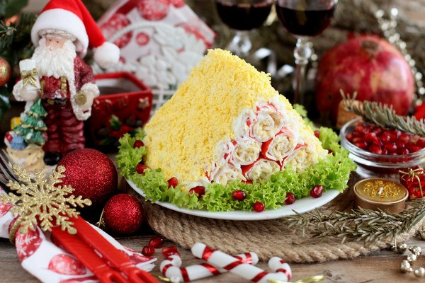 Закуска из крабовых палочек салат Монастырская изба