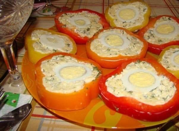 Рецепты холодной закуски - перец фаршированный сыром
