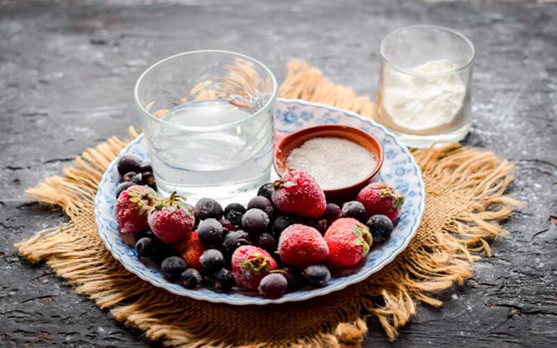 Как сварить кисель из замороженных ягод или фруктов