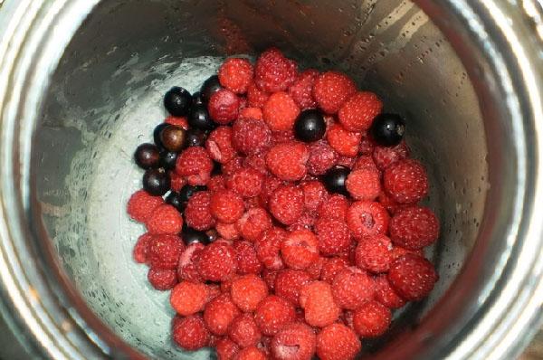 Как сделать компот из черной или красной смородины