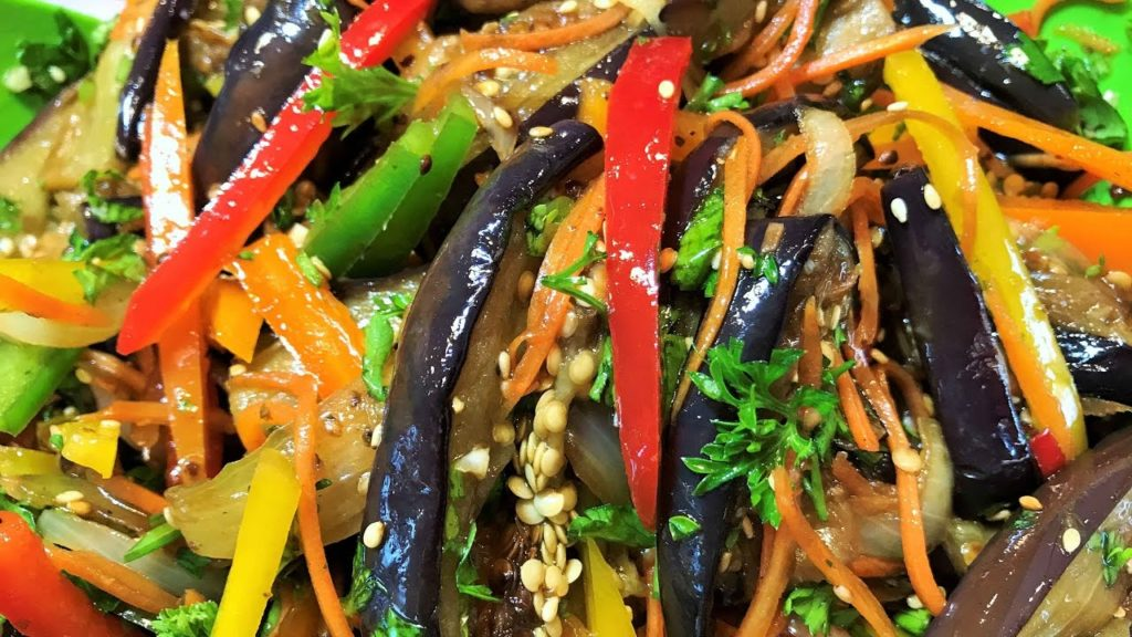 Как приготовить салат пятерочка на зиму с баклажанами