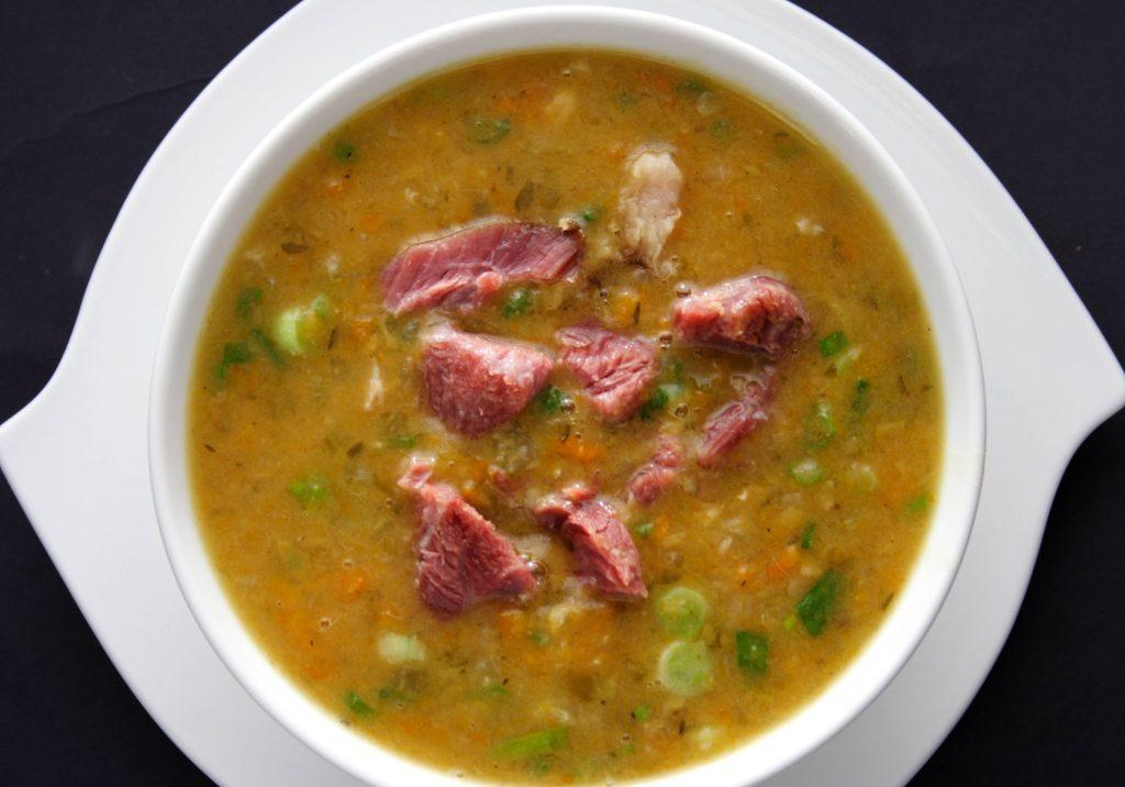 Гороховый суп с копчеными свиными ребрышками — подборка вкусных рецептов