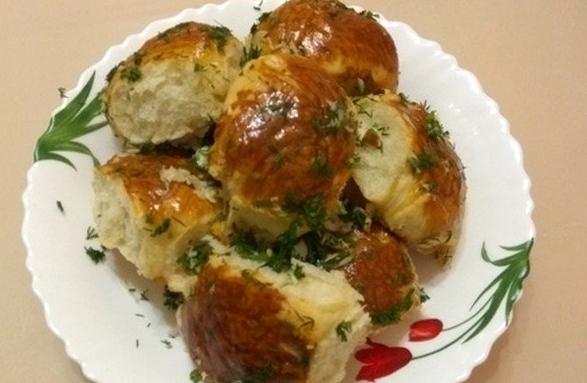 Пампушки с чесноком - рецепты идеального дополнения к борщу