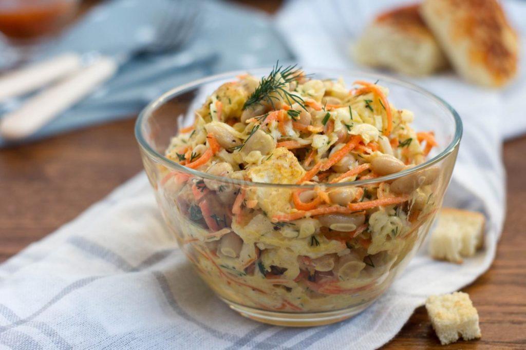 Рецепты салата с копченой курицей, корейской морковью и кукурузой