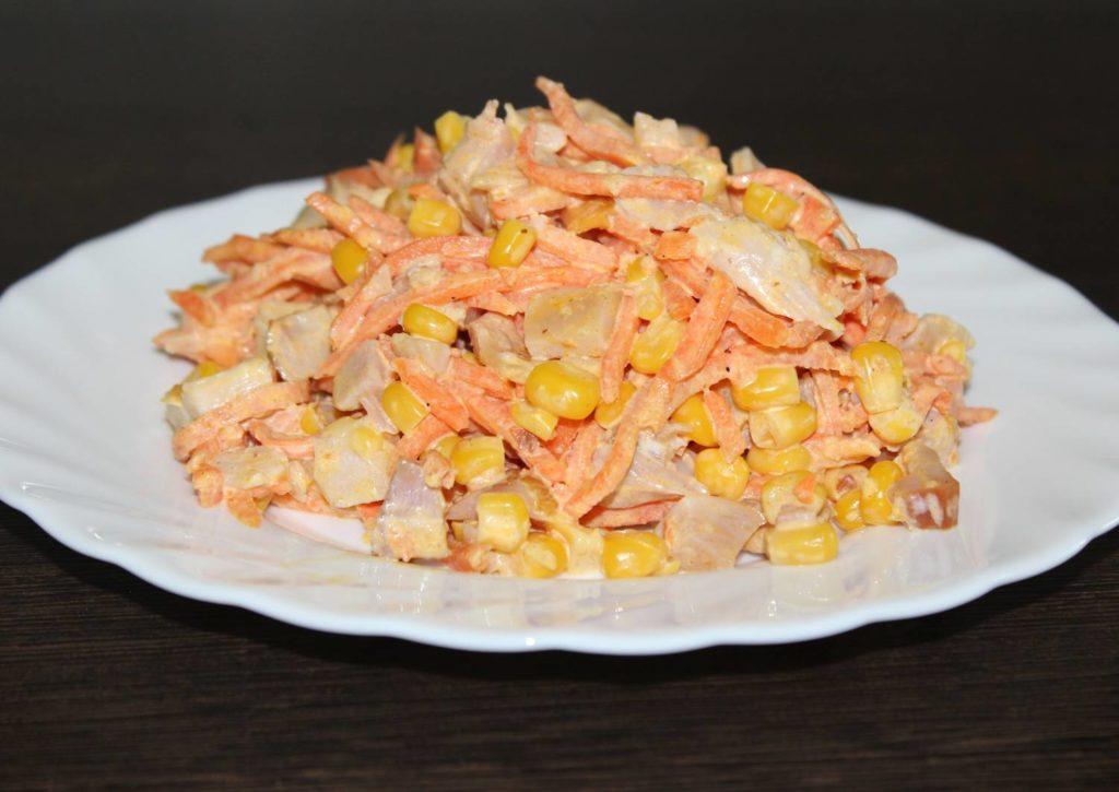 Праздничный салат с куриным филе и морковью по-корейски