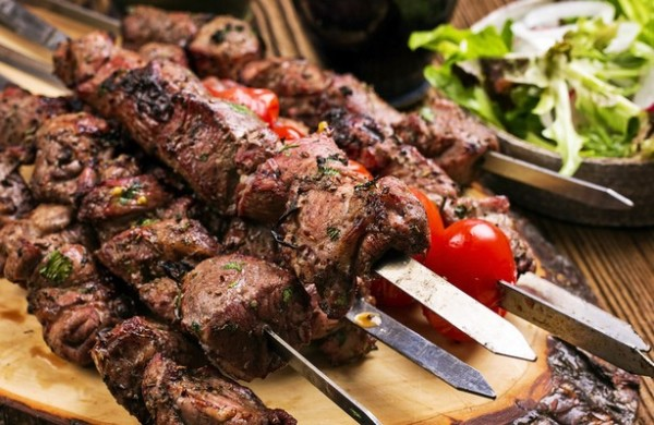 Как приготовить шашлык из говядины: рецепты лучших маринадов