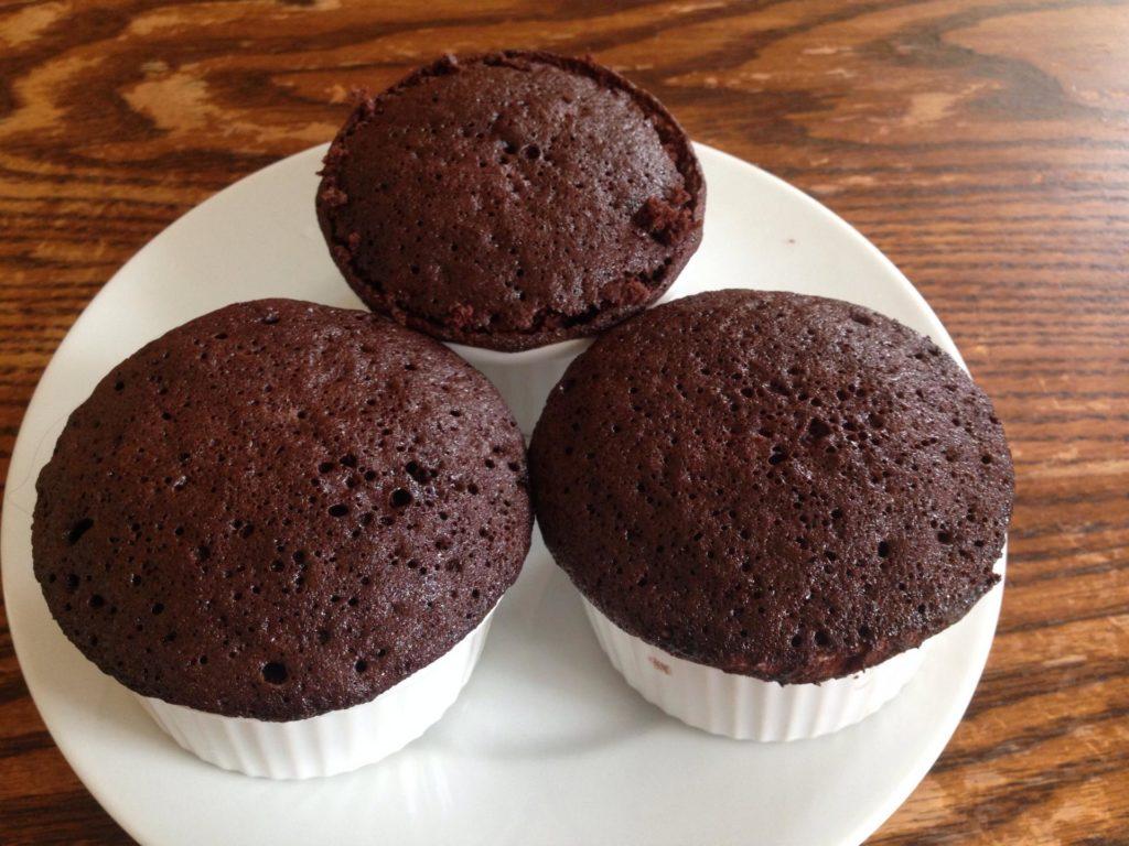 Как сделать кекс с какао и без в микроволновке