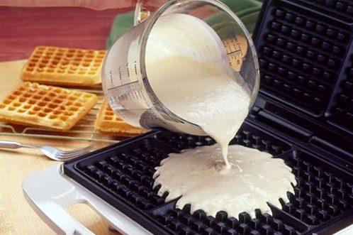 Как сделать вафли в вафельнице в домашних условиях