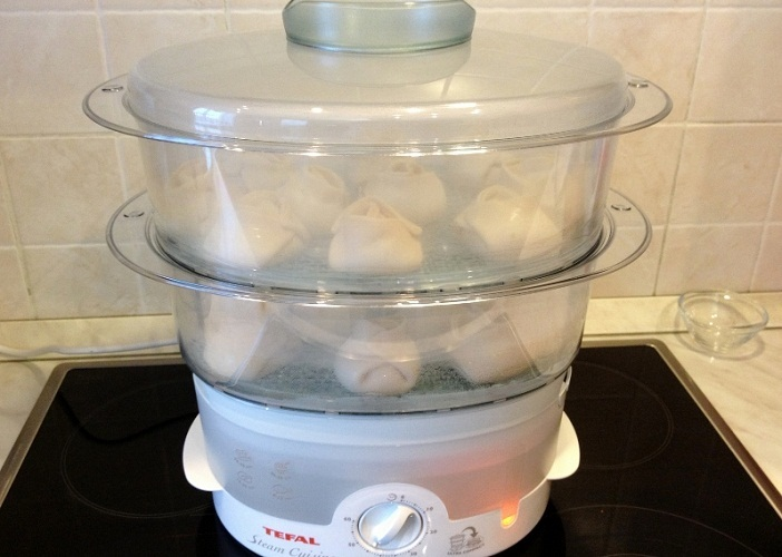 Как приготовить манты без мантоварки: в кастрюле, в сковороде, в пароварке