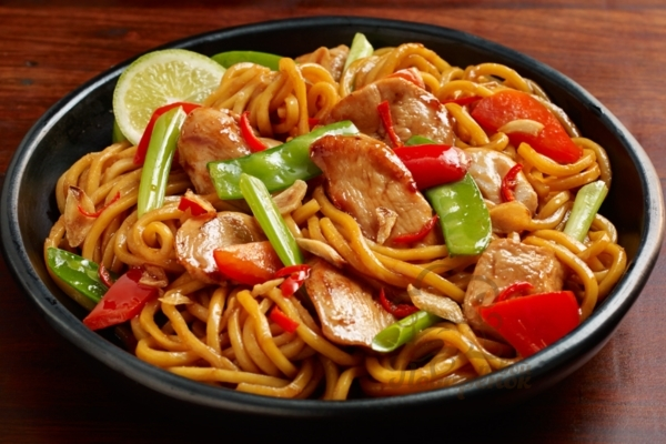 Удон с курицей и овощами: рецепты в домашних условиях