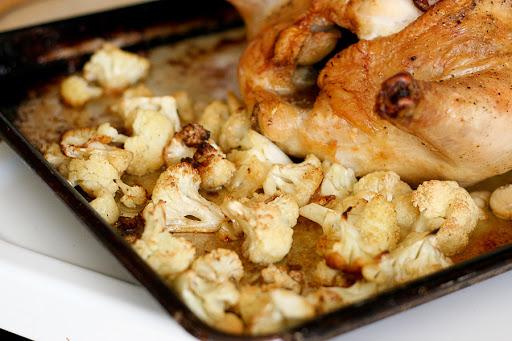Готовим курицу с цветной капустой в духовке: рецепты пошагово