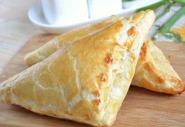 Как приготовить хачапури с сыром из слоеного дрожжевого теста